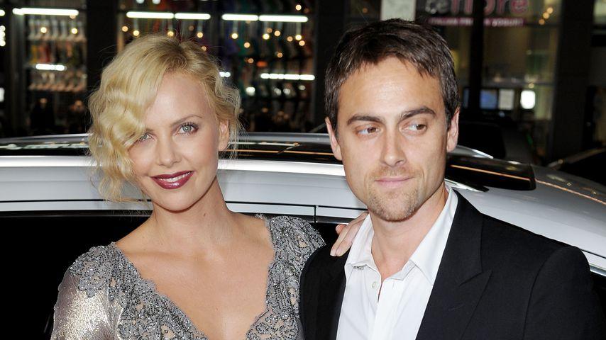 Charlize Theron und Stuart Townsend, 2009