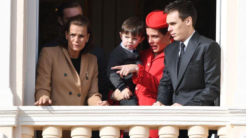 Charlotte Casiraghi mit Raphaël und Prinzessin Stephanie mit deren Sohn Louis