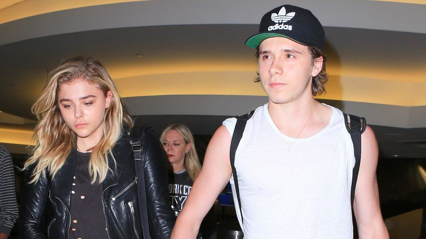 Chloë Moretz und Brooklyn Beckham am LAX-Flughafen