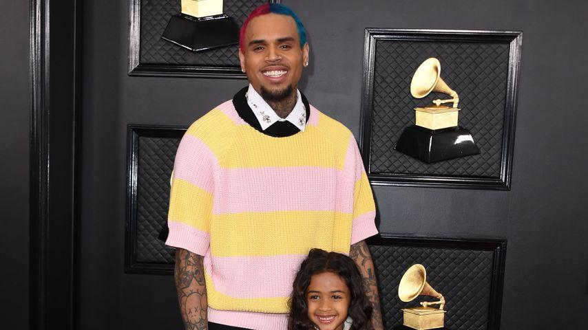 So süß! Chris Brown bringt Tochter Royalty Basketball bei