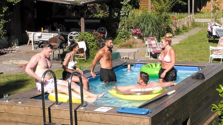 "Chris, Eva, Lou, Michael und Lisha im ""Sommerhaus der Stars"""