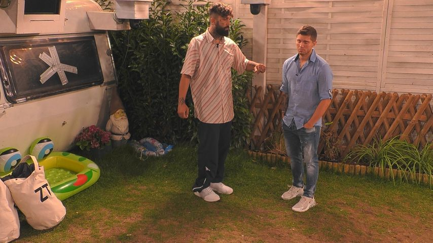 "Chris Manazidis und Joey Heindle im ""Promi Big Brother""-Zeltlager"