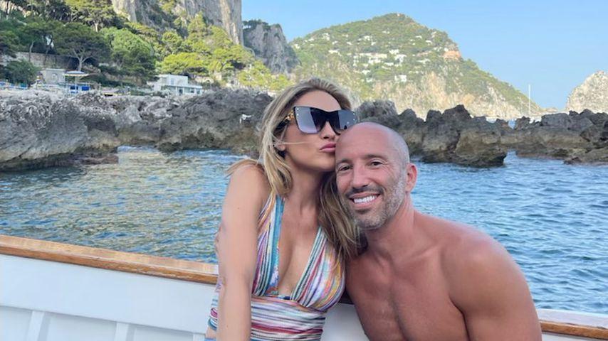 Chrishell Stause und ihr Freund Jason Oppenheim im Sommer 2021 auf Capri