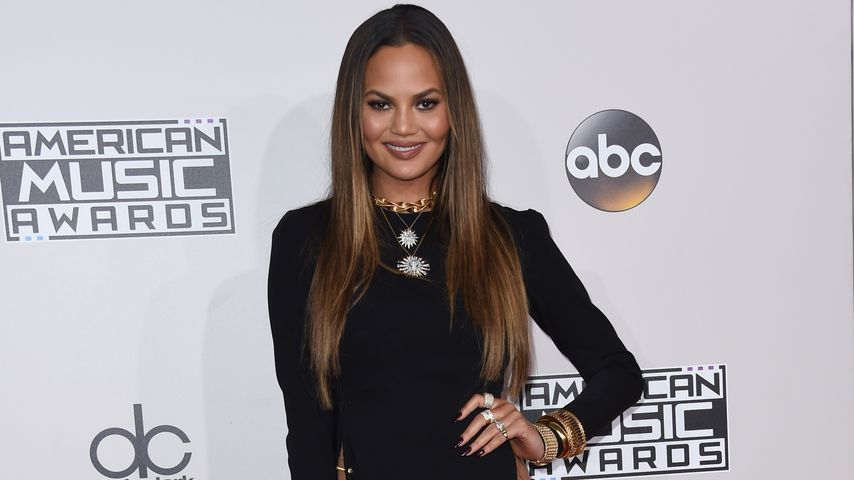 Chrissy Teigen im November 2016 bei den American Music Awards in Los Angeles