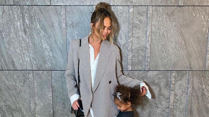 Chrissy Teigen und ihre Tochter Luna im Januar 2021