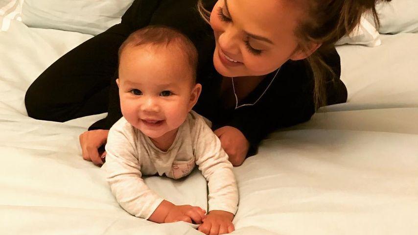 Chrissy Teigen und Tochter Luna Simone