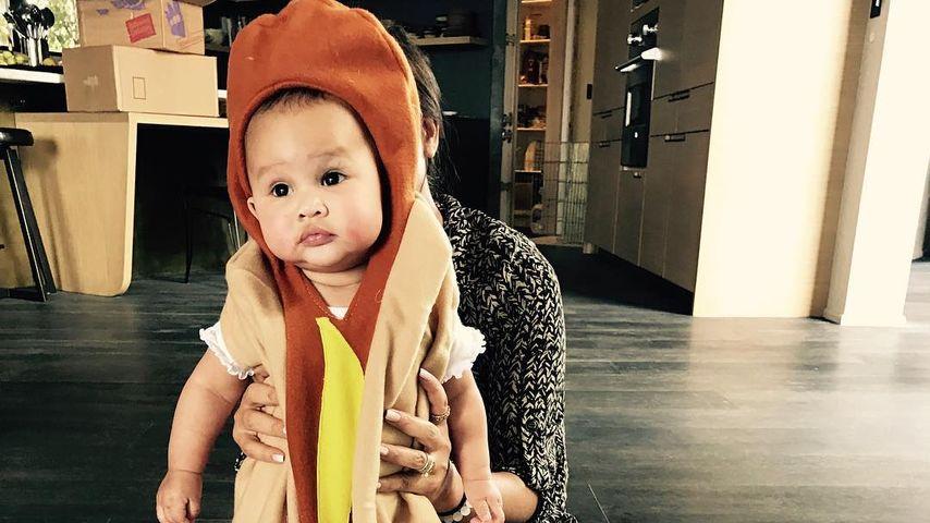 Chrissy Teigens Tochter Luna im Hunde-Kostüm