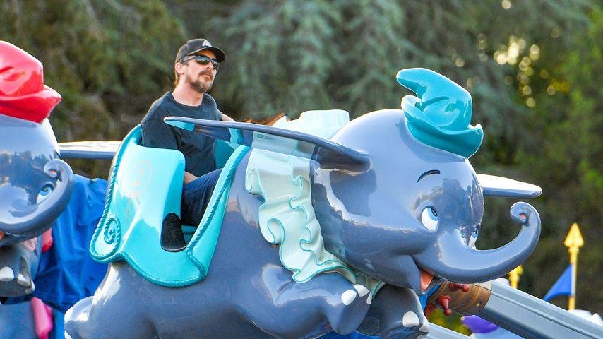 Christian Bale im Disneyland, 2021