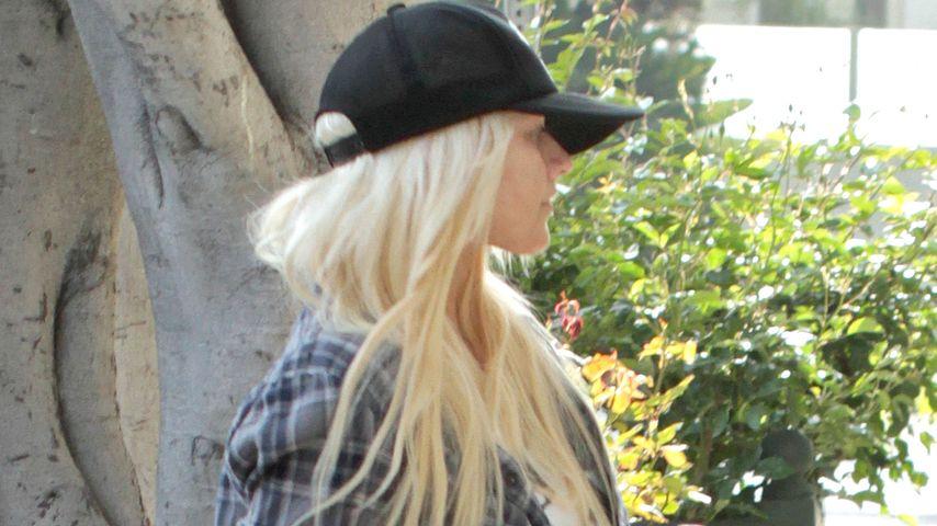 Christina Aguilera: Sexy Beine in hautenger Hose