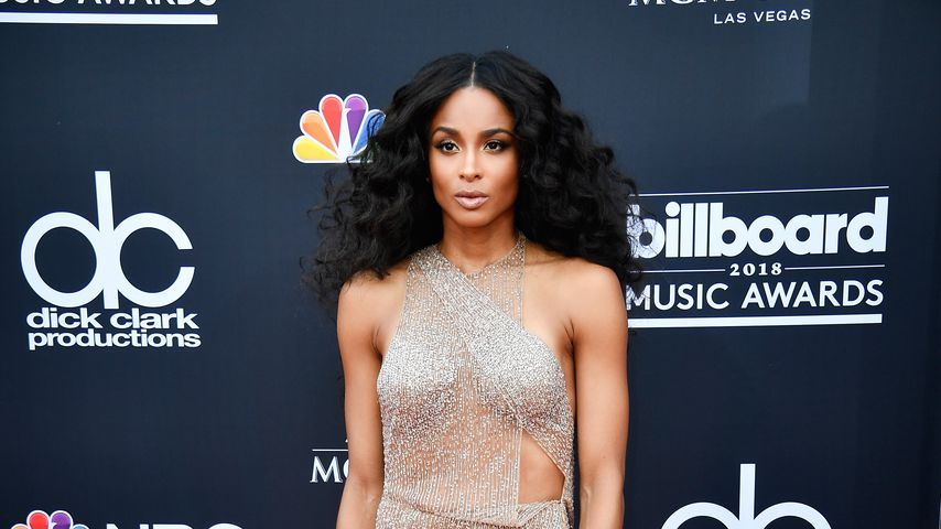 Ciara in einem Transparentdress bei den Billboard Music Awards 2018