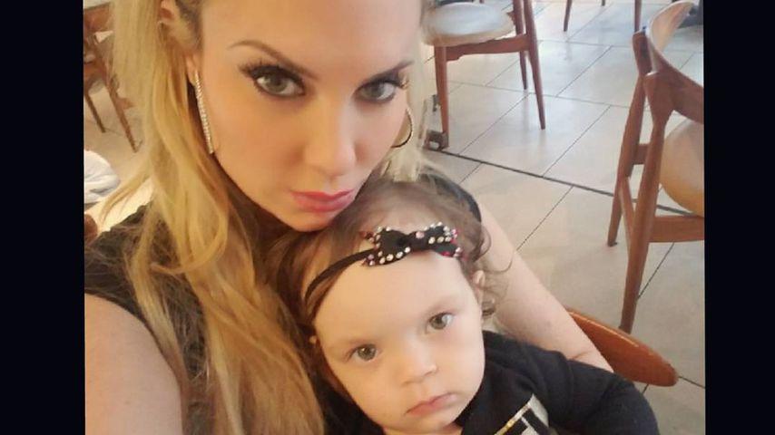 Fast drei Jahre alt: Coco Austin stillt ihre Tochter noch