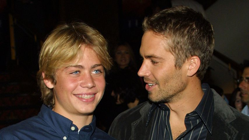 "Cody und Paul Walker bei der ""Timeline""-Premiere 2003 in Kalifornien"