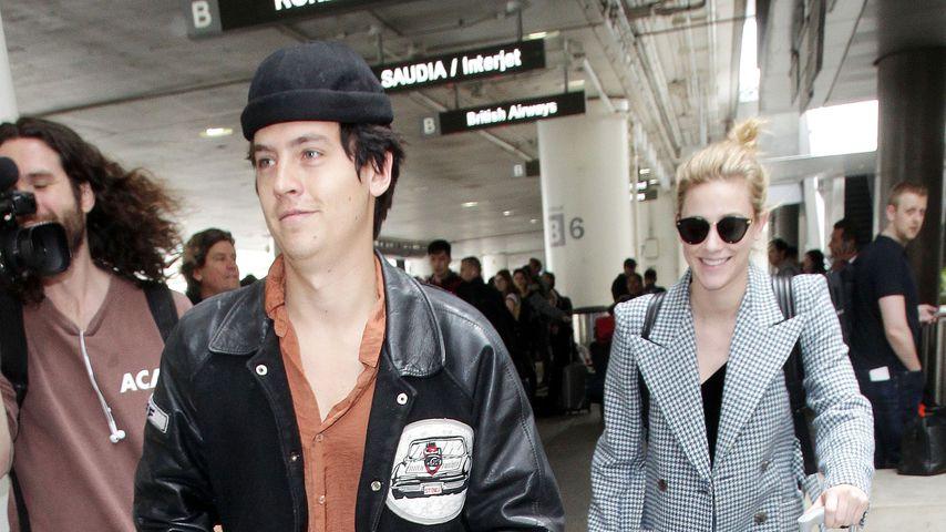 """Cole Sprouse und Lili Reinhart, bekannt aus """"Riverdale"""""""