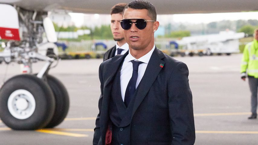 Cristiano Ronaldo am Flughafen in Russland