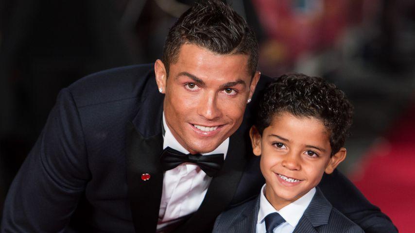 Wieder ganz schön cool: Hier modelt Cristiano Ronaldos Sohn!