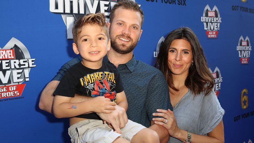 Cutter Dykstra und Jamie Lynn Sigler mit Sohn Beau