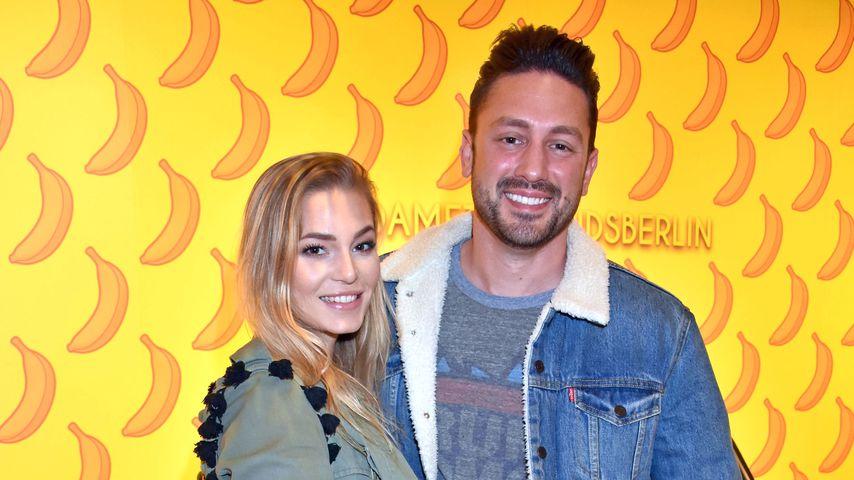 Daniel Völz und seine Freundin Lisa bei der Eröffnung des #BerlinColours im Madame Tussauds Berlin