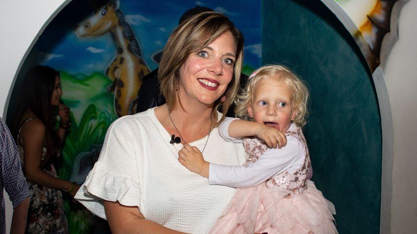 Daniela Büchner mit Tochter Jenna Soraya im Mai 2019 auf Mallorca