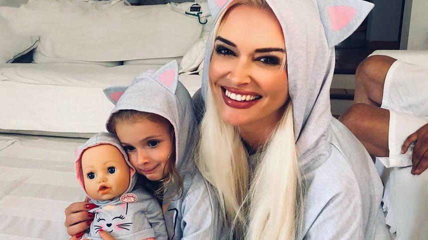 Heimflug für Xmas: Sophia Cordalis entertaint alle Fluggäste