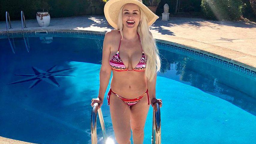 Sport zahlt sich aus! Superheiße Bikini-Pics der Katze