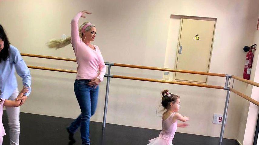Sophia unbeeindruckt: Die Katze lässt innere Ballerina raus
