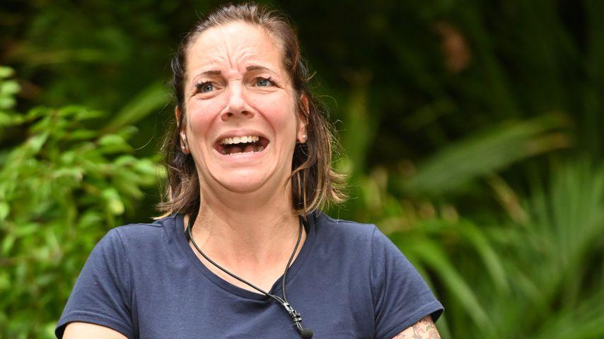 """Danni Büchner bei der Dschungelprüfung """"Heißer Stuhl"""""""