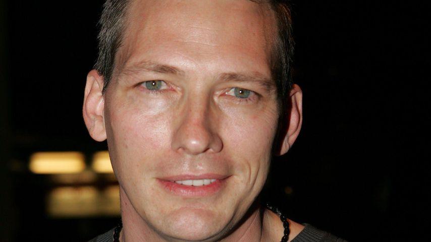 Darren E. Burrows, Schauspieler