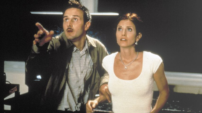 "David Arquette und Courteney Cox in ""Scream 2"""