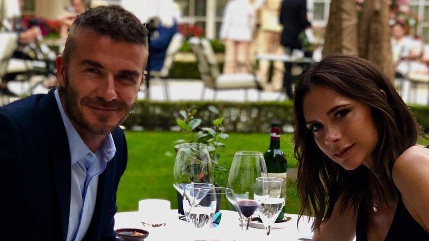 Zum 19 Hochzeitstag Verliebtes Pic Von Den Beckhams Promiflashde