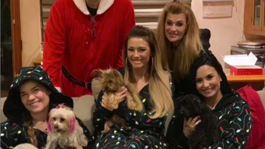 Musikgröße Demi Lovato mit ihrer Familie