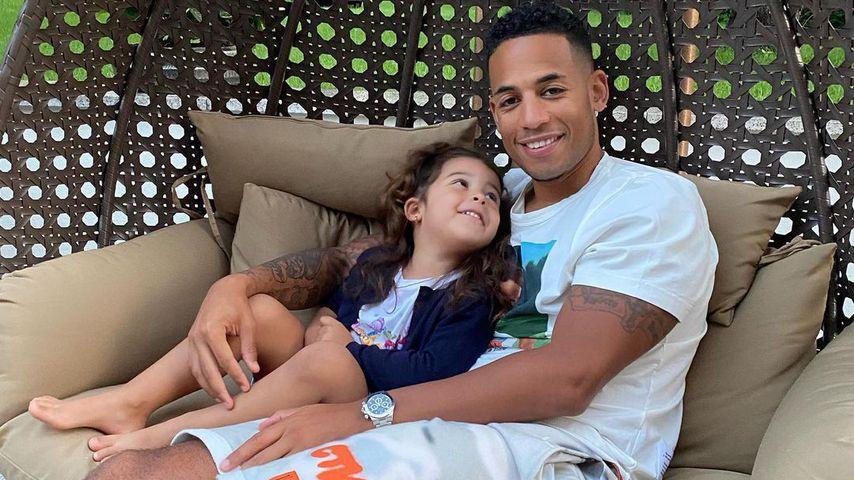 Dennis Aogo mit seiner Tochter Payten im Juni 2020