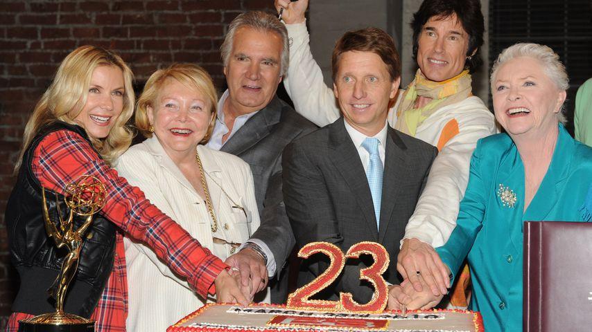 """Der Cast von """"Bold and the Beautiful"""" beim 23. Jubiläum in L.A. im März 2010"""