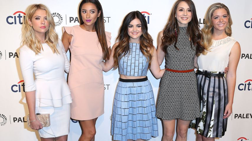 Ashley Benson, Shay Mitchell, Lucy Hale, Troian Bellisario und Sasha Pieterse (v.l.)