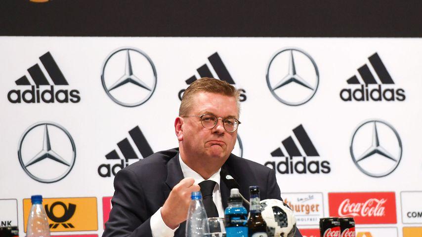 DFB-Chef Reinhard Grindel bei einer Pressekonferenz in Russland