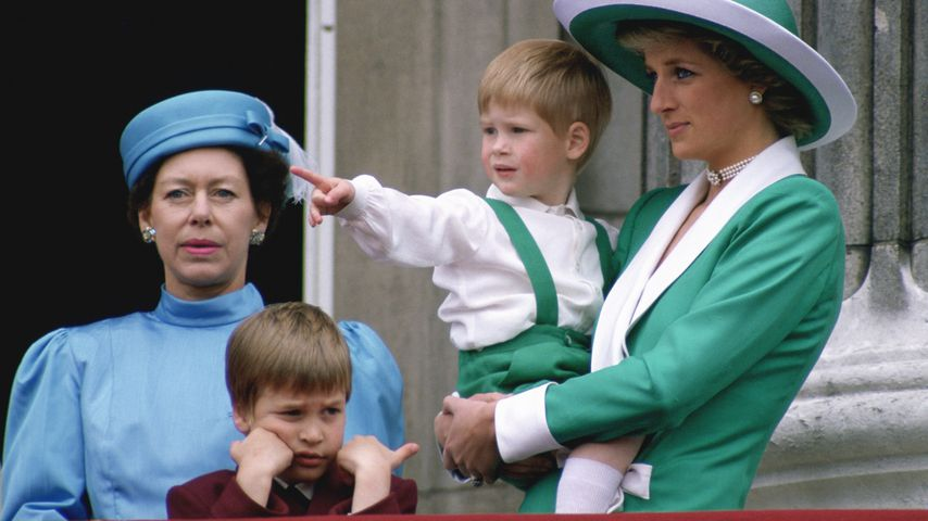 Prinzessin Margaret, Prinz William, Prinz Harry und Lady Di 1988