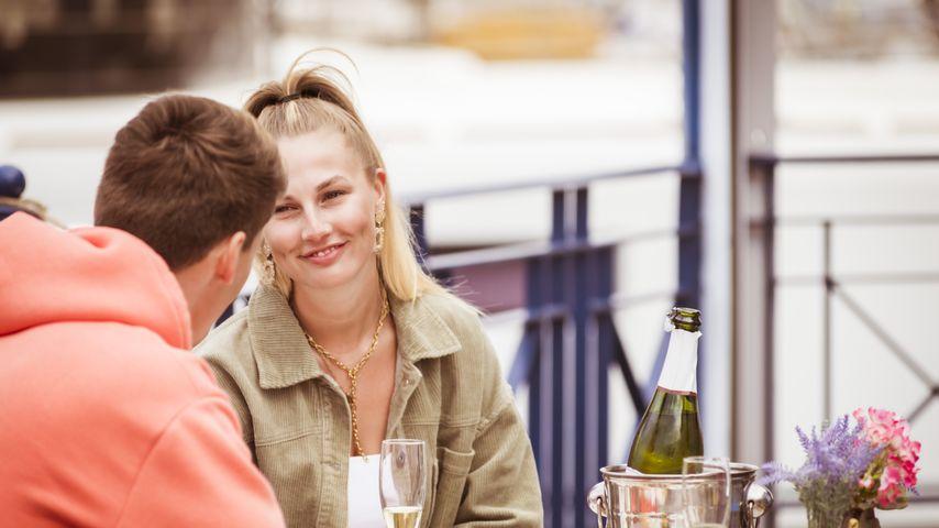 """Die """"Love Island""""-Kandidaten Fynn und Kathi bei einem Date"""
