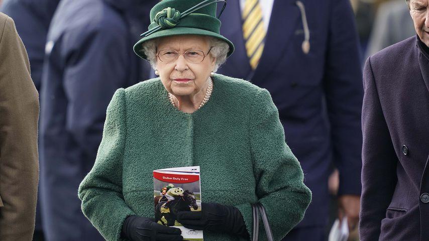 Ohne Lieblings-Accessoire unterwegs: Queen verwirrt Fans