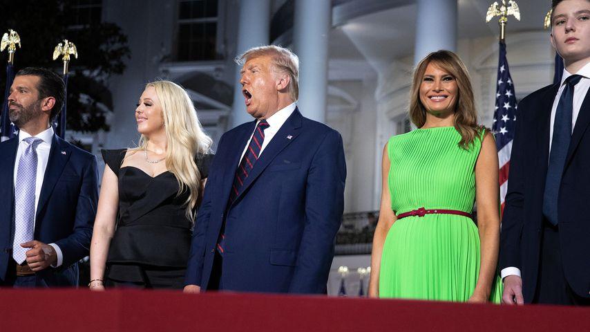 Die Trump-Familie vor dem Weißen Haus in Washington D.C. im August 2020
