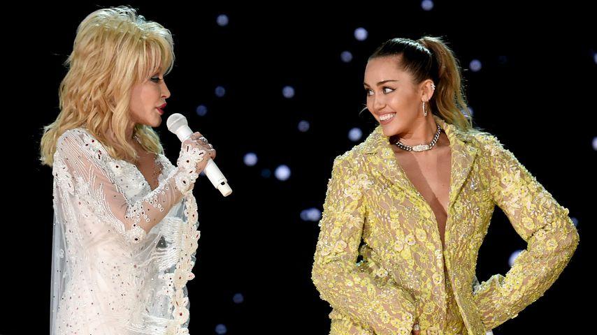 Dolly Parton und Miley Cyrus bei den Grammys, 2019