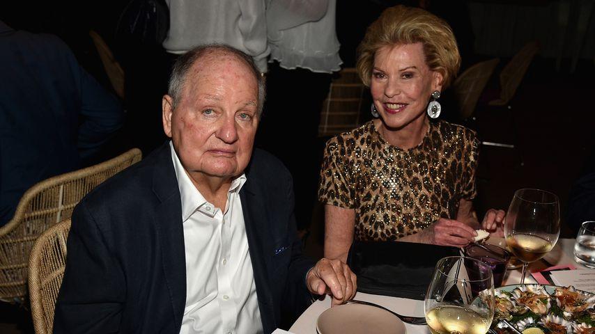 Douglas S. Cramer und Louise Grundwald