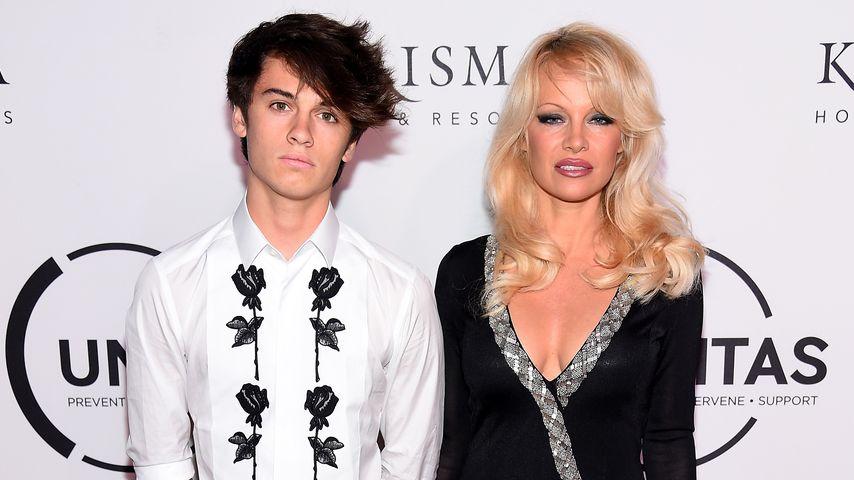 Traum-Duo: Pamela Anderson posiert mit hübschem Sohn (18)