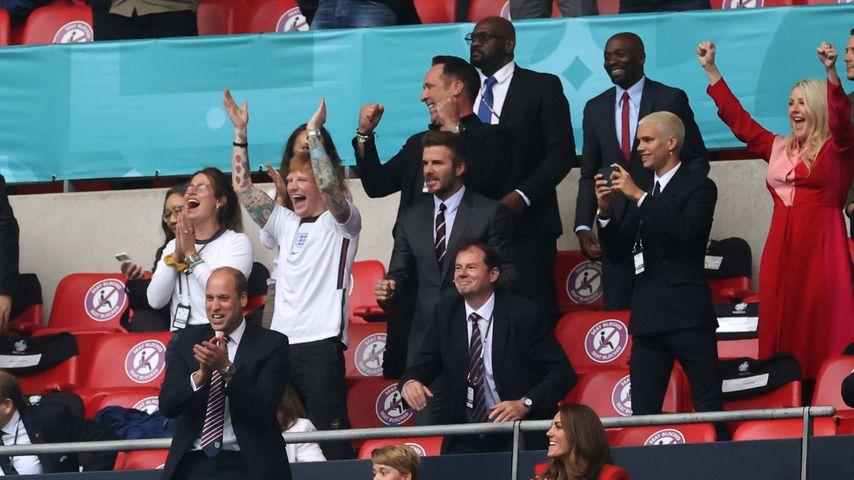 Ed Sheeran, David Beckham, Brooklyn Beckham, Prinz William, Prinz George und Herzogin Kate beim EM-S