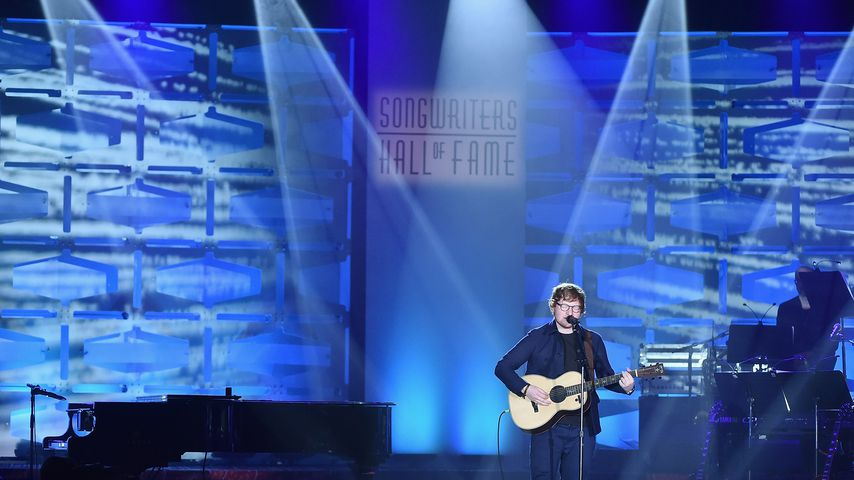 "Ed Sheeran bei seiner Performance bei der ""Songwriters Hall of Fame Induction and Awards""-Zeremonie"