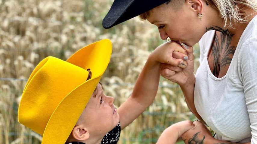 Edith Stehfest mit ihrem Sohn Aaron Amadeus
