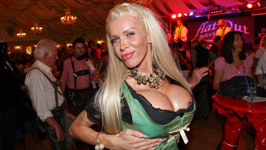 Edona James beim Oktoberfest in München