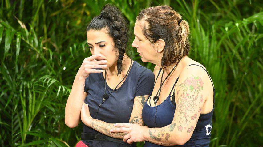 Elena Miras und Daniela Büchner, Dschungelcamp Tag 6