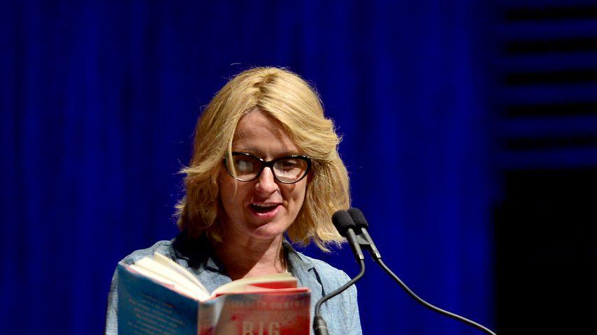 """Elizabeth Gilbert bei der Präsentation ihres Buches """"Big Magic"""" 2015"""