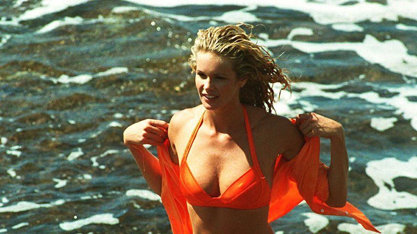 Elle MacPherson im Jahr 2000 auf Hawaii