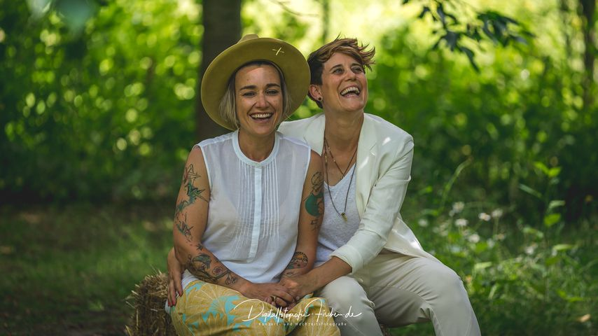 Elli Erl und Tina van Wickeren bei ihrer Hochzeit 2019