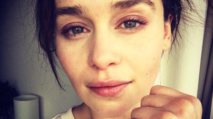 Emilia Clarke mit ihrem Hummel-Tattoo